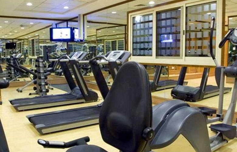 Star Metro Al Barsha Hotel Apartments - Sport - 7
