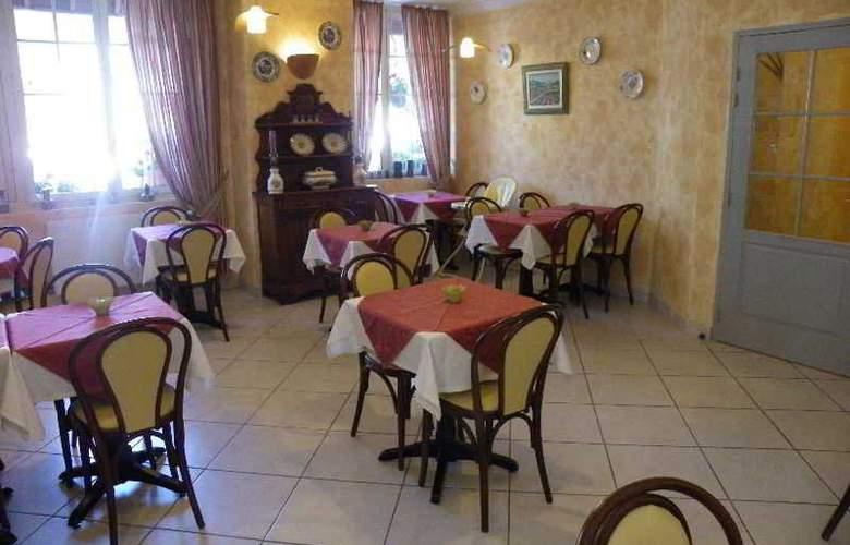 Lion Sur Mer Hotel - Restaurant - 2