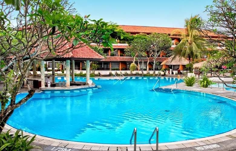 Sol Beach House Bali Benoa - Pool - 3