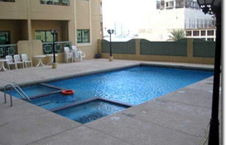 Ramee Palace Hotel Bahrain - Pool - 3