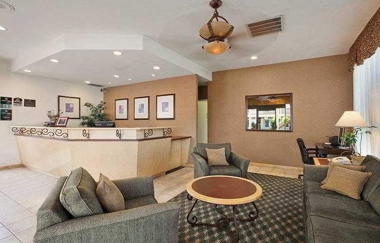 Best Western Plus Carriage Inn Sherman Oaks - Hotel - 9