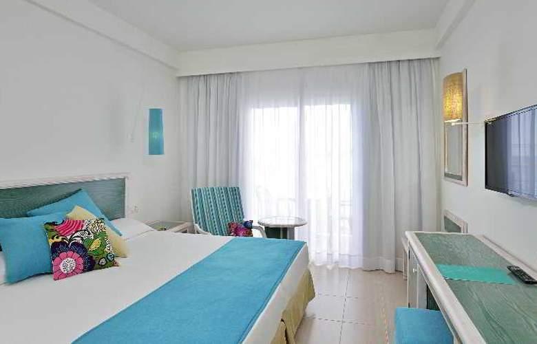 Sol Beach House Menorca - Room - 11