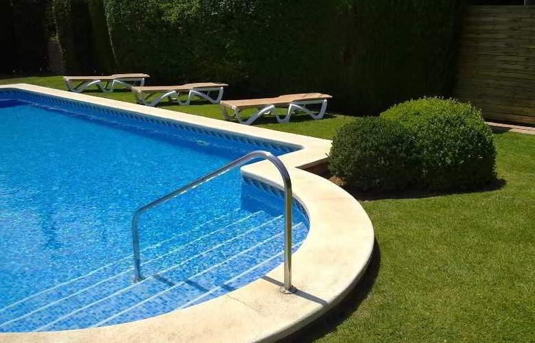 AD Hoc Parque Golf - Pool - 1