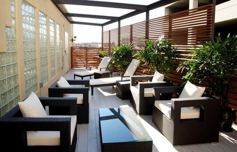 Miyako Hotel Los Angeles - Terrace - 3