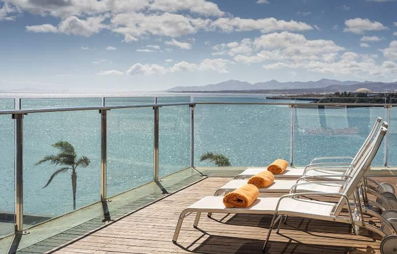 Arrecife Gran Hotel & Spa - Terrace - 23