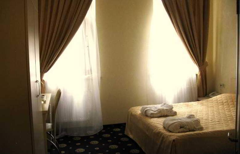 Gonchar - Room - 6