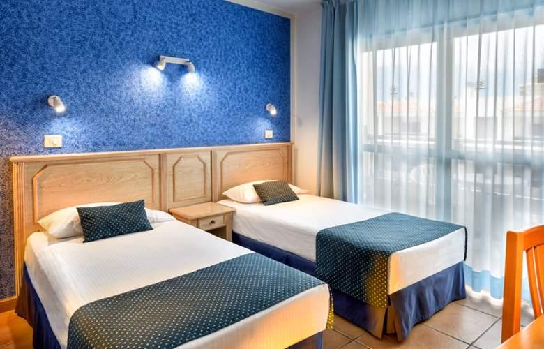 Oro Blanco Apartments - Room - 18