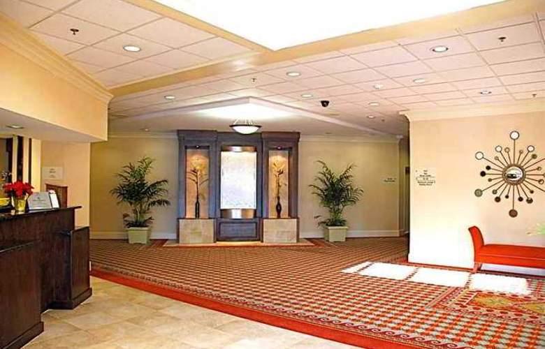DoubleTree by Hilton Hotel Fayetteville - Hotel - 6