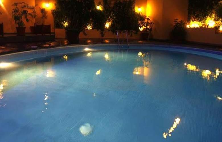 Meliá Lima - Pool - 3