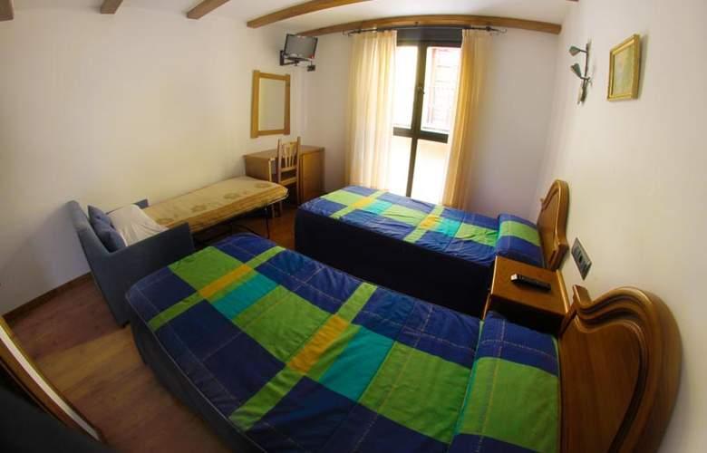 Alda Casco Antiguo - Room - 9