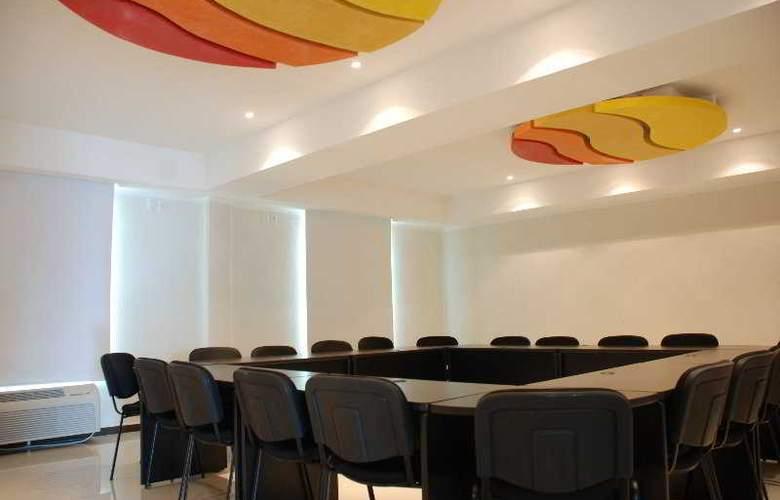 Comfort Inn Cancun Aeropuerto - Conference - 9