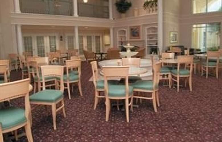 La Quinta Inn & Suites Durham / Chapel Hill - Restaurant - 10
