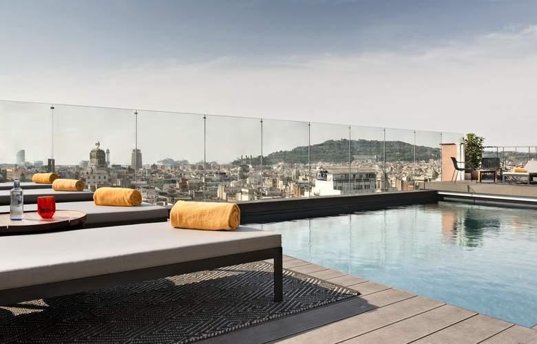 NH Collection Barcelona Gran Hotel Calderón - Pool - 15