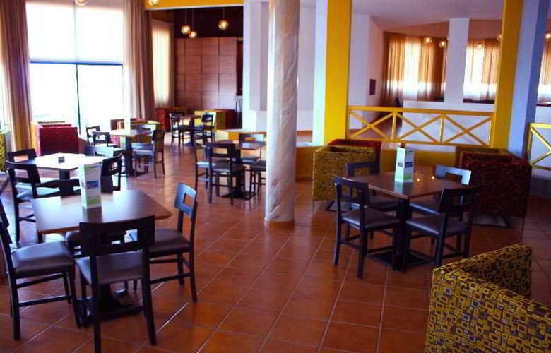 Myro Androu Hotel Apts - Restaurant - 9