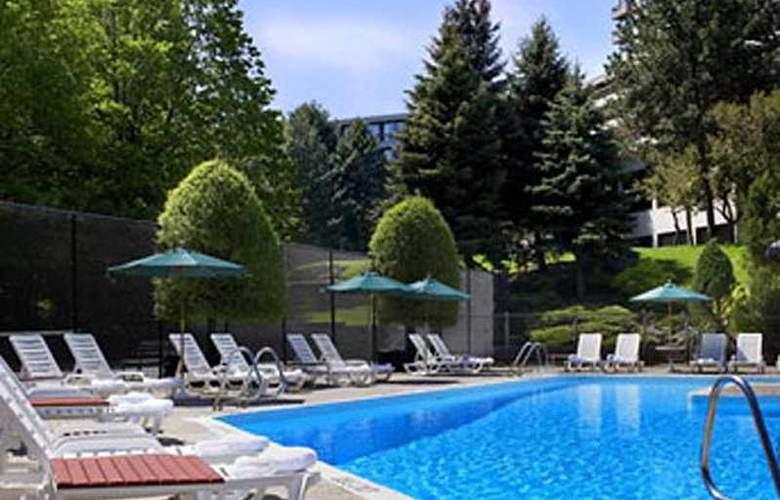 The Westin Prince Toronto - Pool - 4