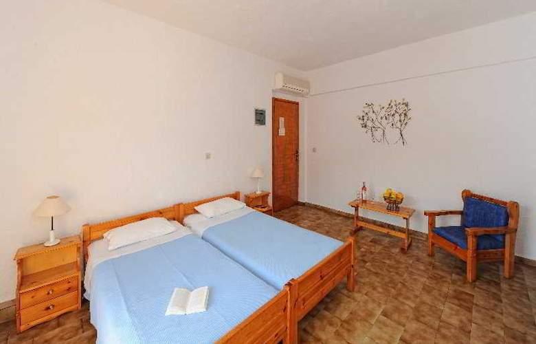 Paloma Garden and Corina Hotel - Room - 5