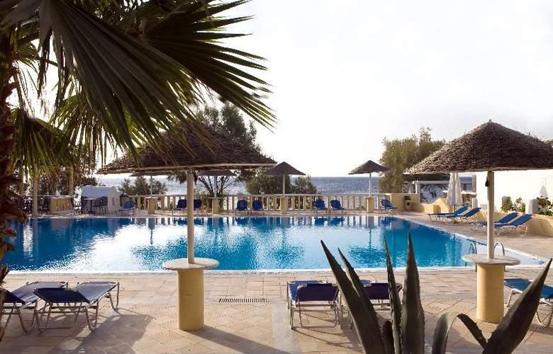 Kamari Beach - Pool - 10