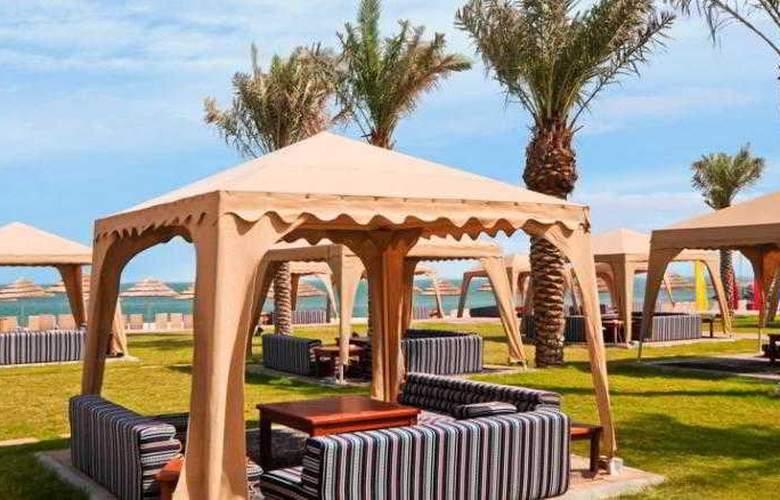Hilton Kuwait Resort - Beach - 2