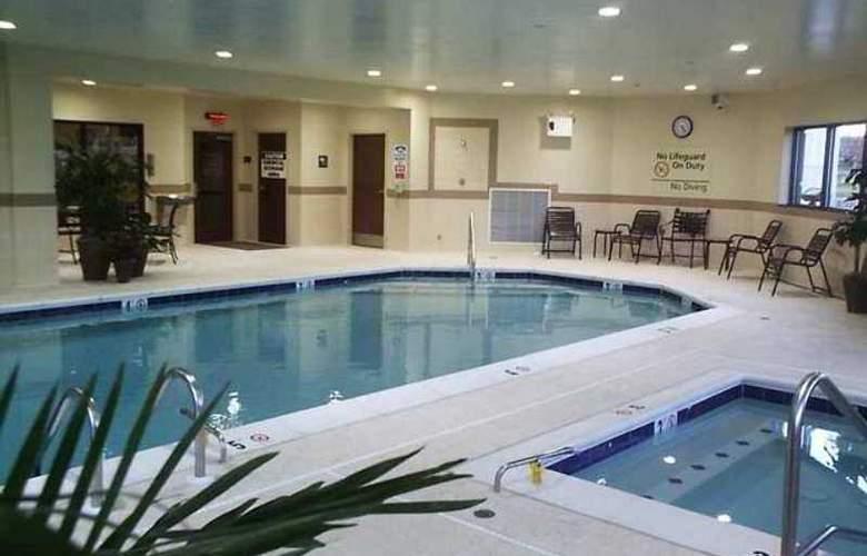 Hampton Inn & Suites Frederick-Fort Detrick - Hotel - 1