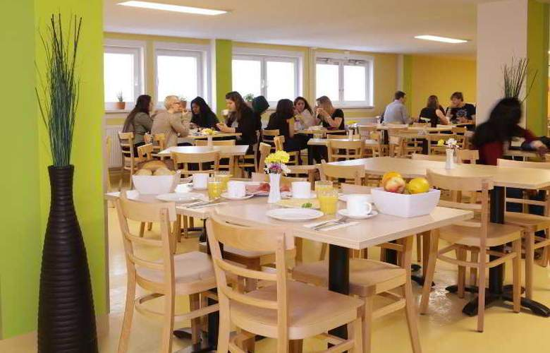 A&O Frankfurt Galluswarte Hotel - Restaurant - 35