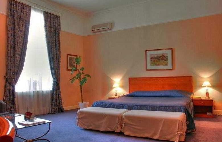 Grand Hotel Ukraine - Room - 0