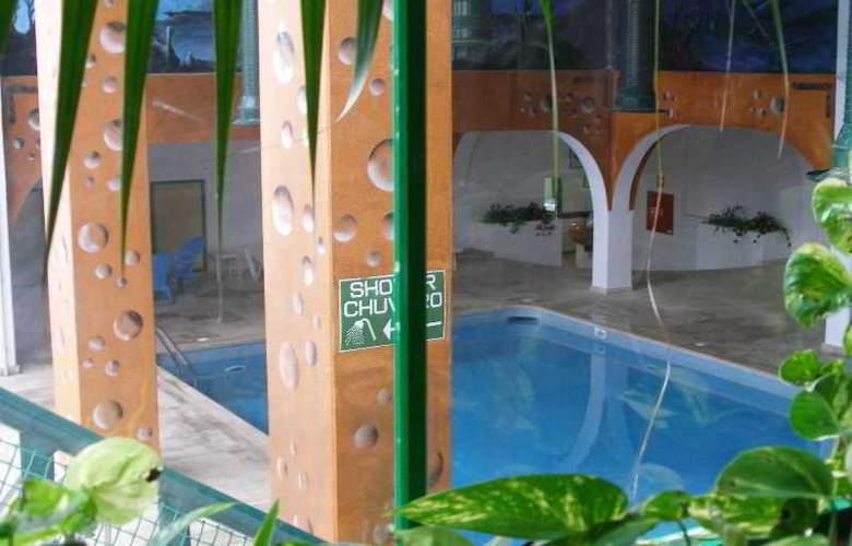 Turial Park - Pool - 18
