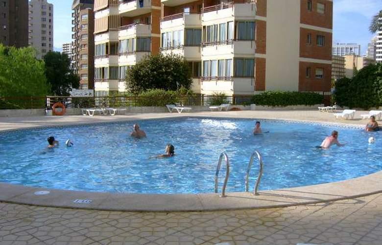 Europa Center - Pool - 2