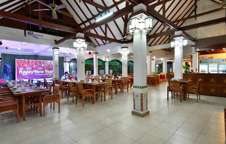 First Bungalow Beach Resort - Restaurant - 22