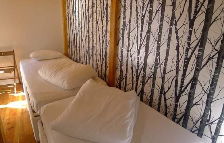 Equity Point Lisboa Hostel - Room - 8