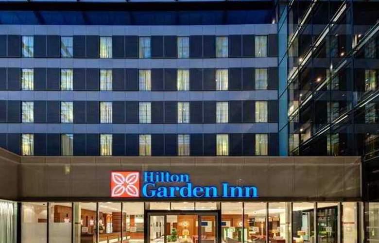 Hilton Garden Inn Frankfurt Airport - Hotel - 0
