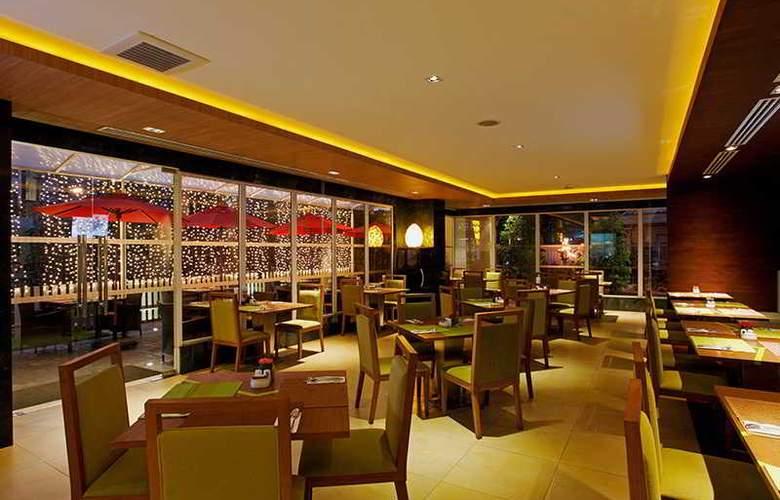 Centara Pattaya Resort - Restaurant - 25