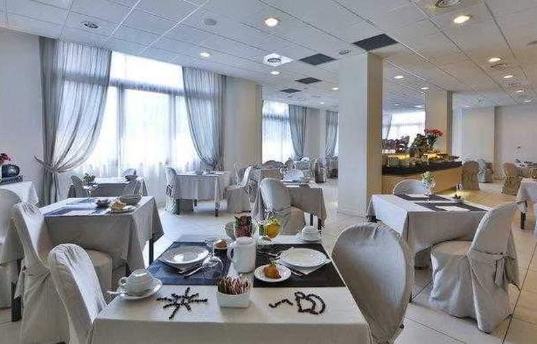 Best Western Cristallo - Restaurant - 82