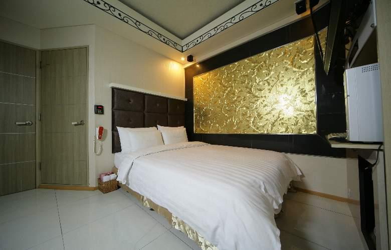 Hit Hotel - Room - 6