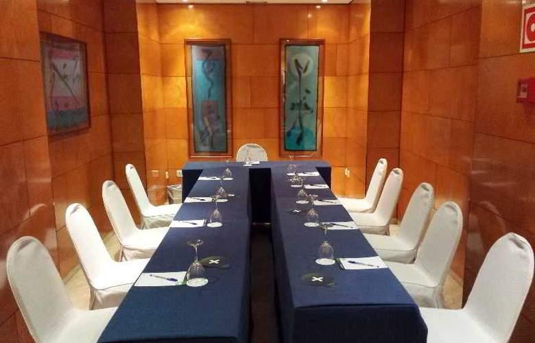 Villacarlos - Conference - 3