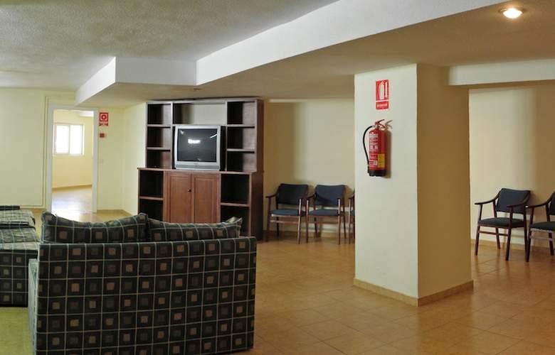 Hostal El Ciervo - Services - 4