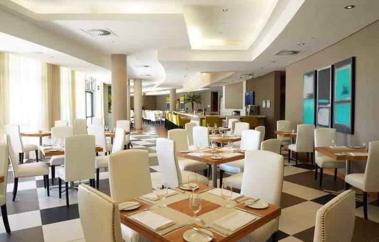 Holiday Inn Mauritius Airport - Restaurant - 20