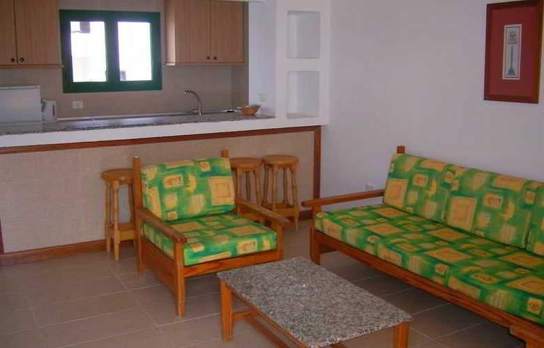 Elena Apartamentos - Room - 3