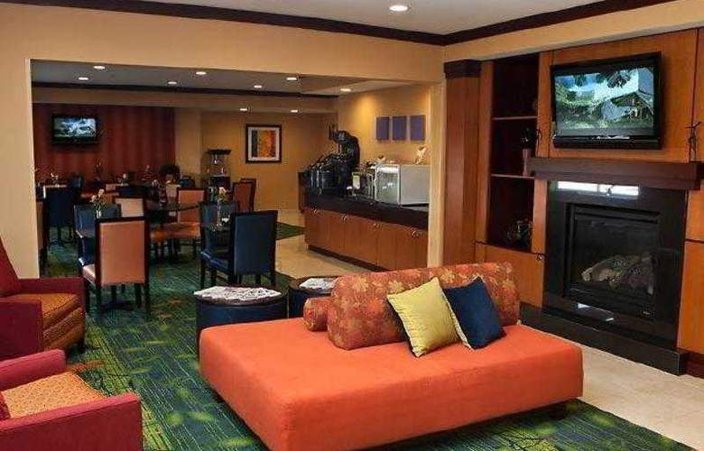 Fairfield Inn & Suites Fort Worth - Hotel - 1