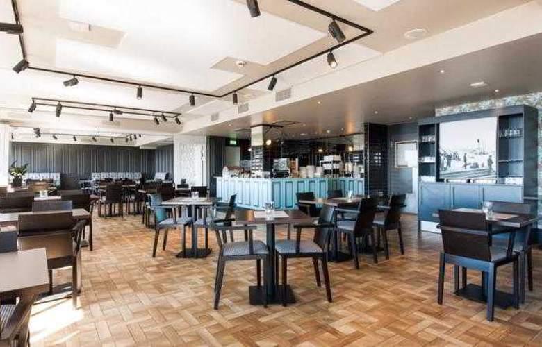 First Victoria - Restaurant - 4