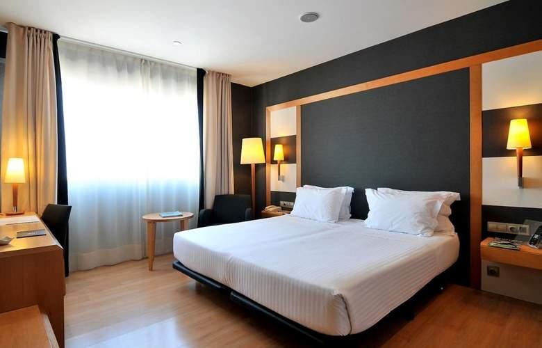 Barcelona Universal - Room - 2