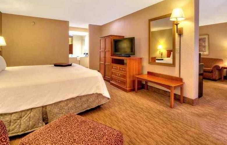 Hampton Inn Chattanooga Airport - Hotel - 4