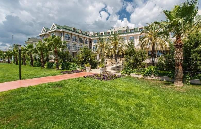 Novia Lucida Beach Hotel - Hotel - 11