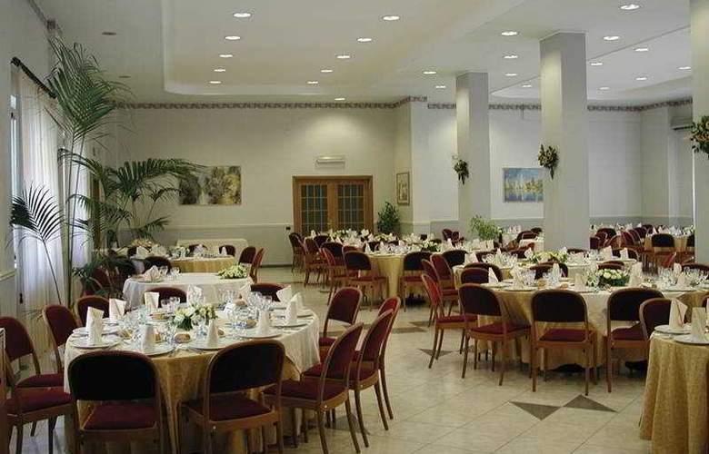 Park Hotel Helios - Restaurant - 4