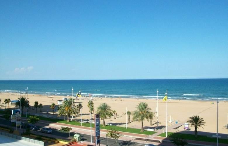 Don Chimo Danio - Beach - 7