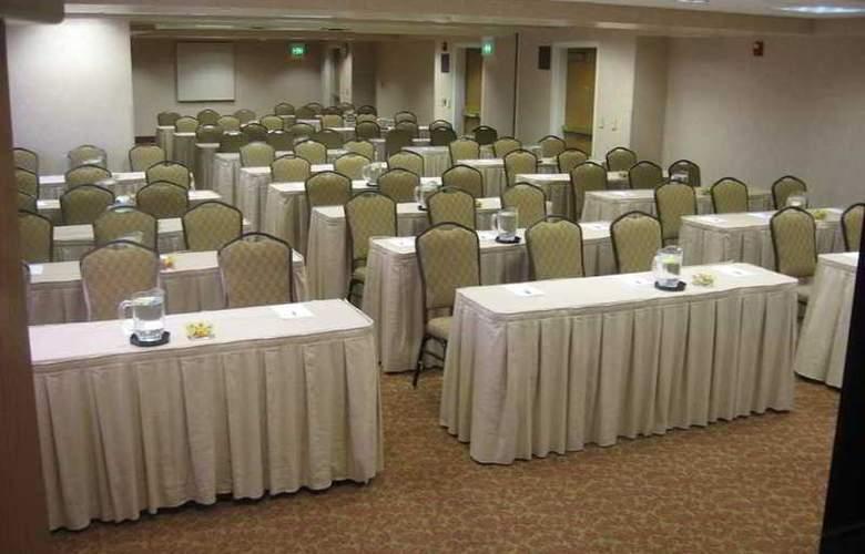 Hampton Inn & Suites Scottdale - Conference - 10