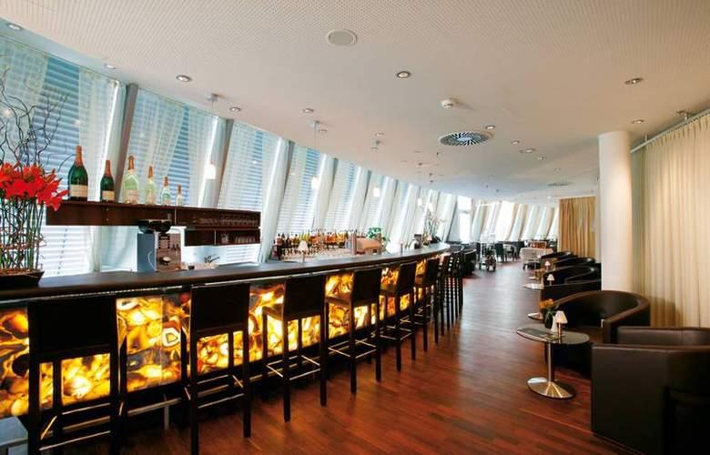 Four Points by Sheraton Panoramahaus Dornbirn - Bar - 11