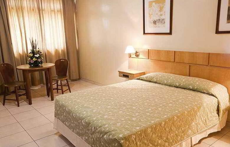Augustus Plaza Inn - Hotel - 7