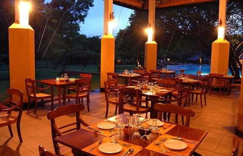 Amaya Lake Dambulla - Restaurant - 4