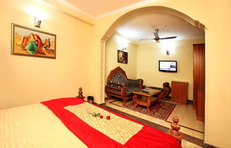 Indira International Inn - Room - 4