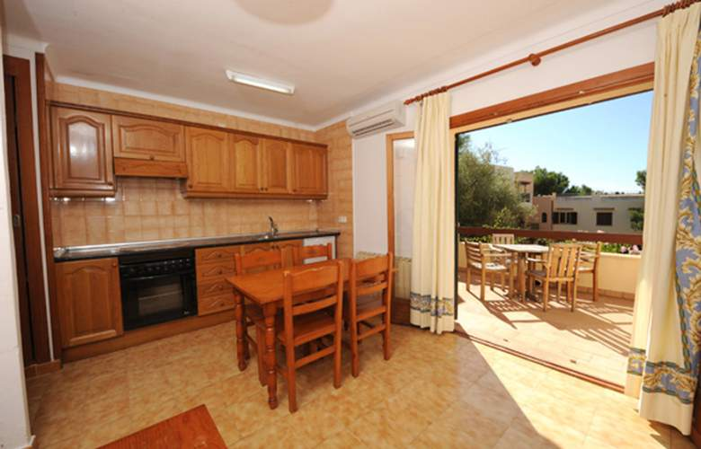 Playa Ferrera - Room - 11